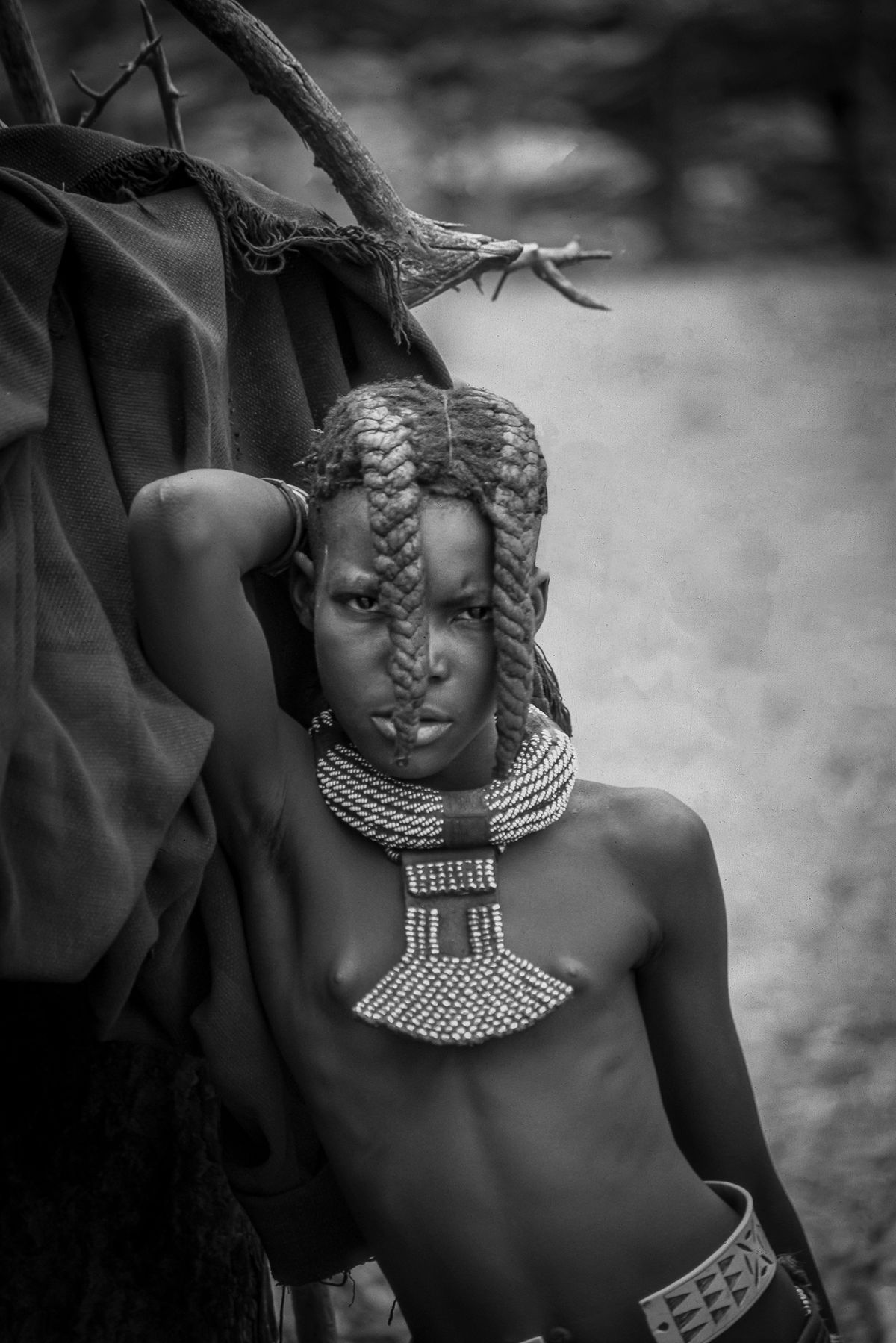 Himba Mädchen / girl (Süd Angola - south of Angola) b&w122