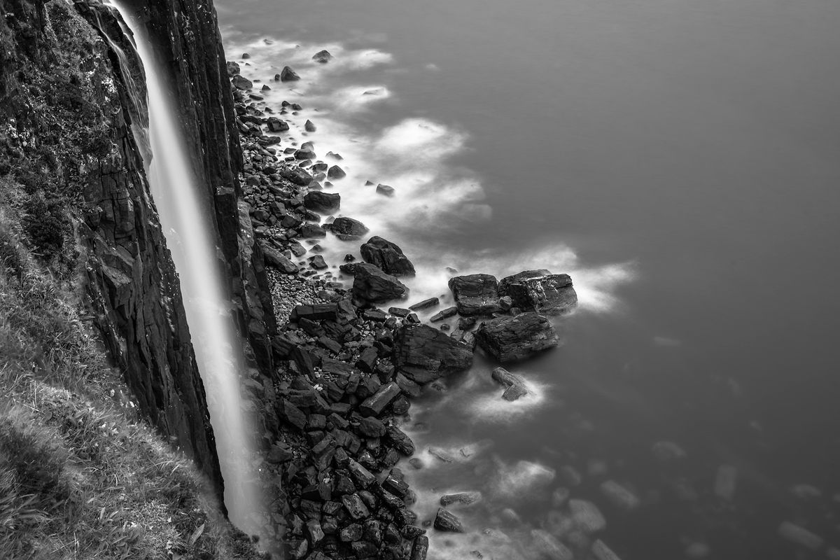 Wasserfall / water fall (Isle of Skye / Schottland - Scotland) b&w135