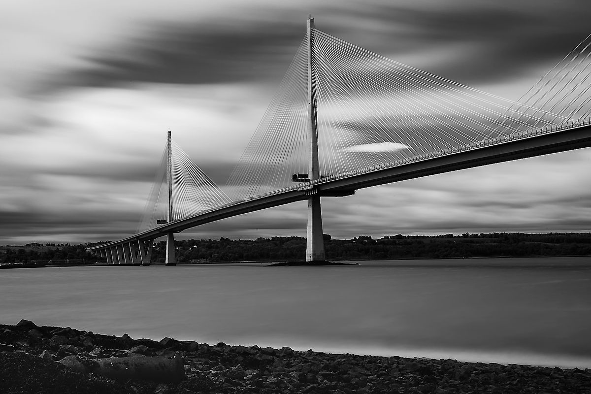 Forth Road Bridge (North Queensferry / Schottland - Scotland) b&w137
