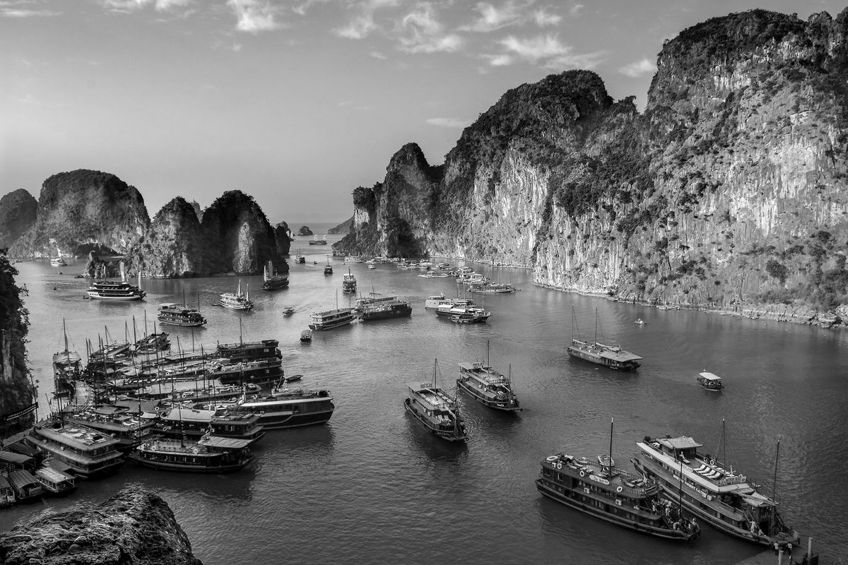 Halong Bay (north of Vietnam) b&w139