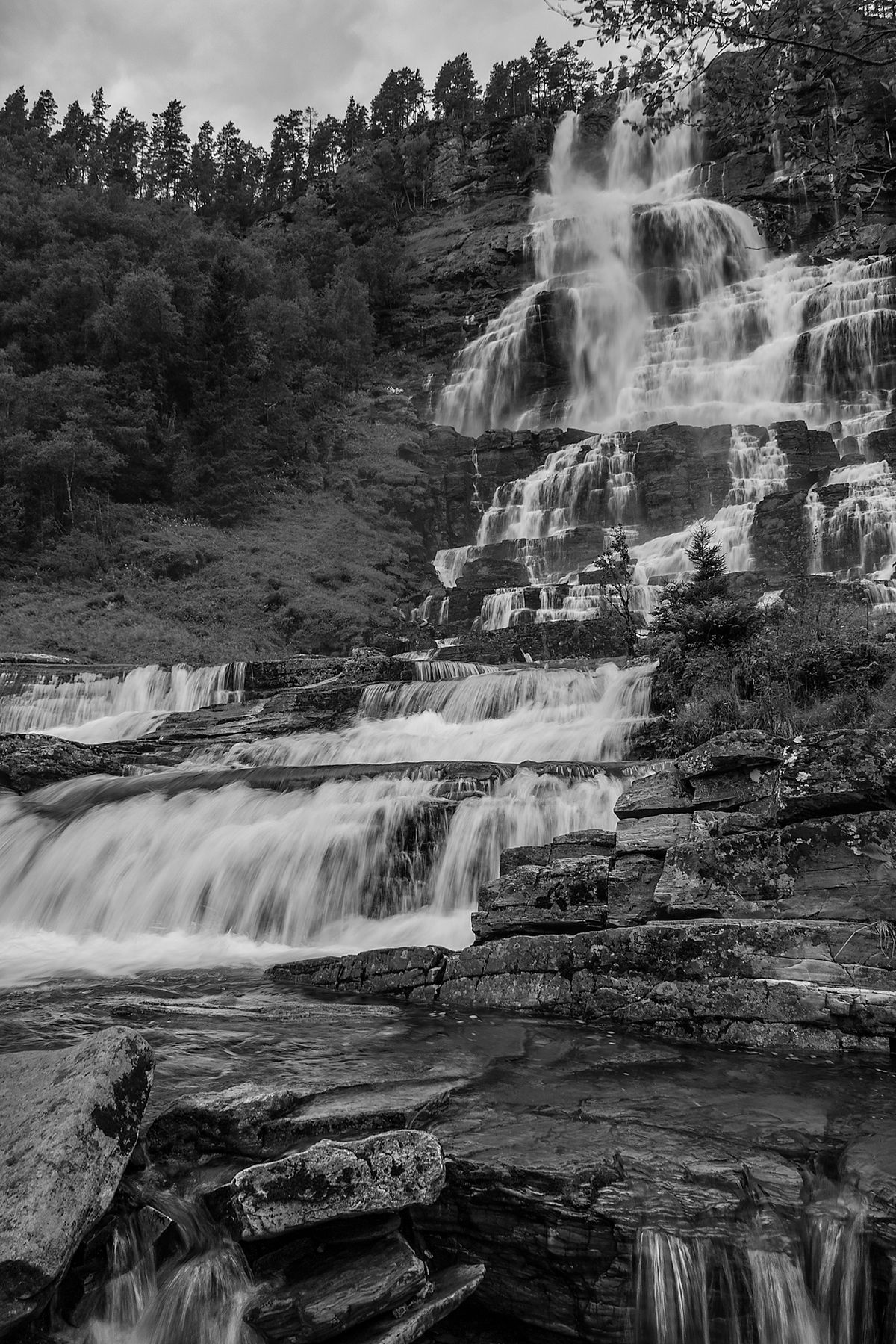 Wasserfall / water fall (Norwegen - Norway) b&w183